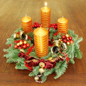 640px-Adventskranz-1_Advent