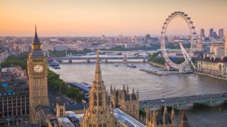 76709-640x360-houses-of-parliament-and-london-eye-on-thames-from-above-640