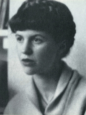 Atozchallenge p nationalpoetrymonth mirror by sylvia for Mirror sylvia plath